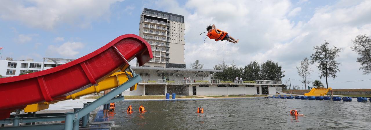 Swimming Pool Amerald Resort Hotel Johor Malaysia 3