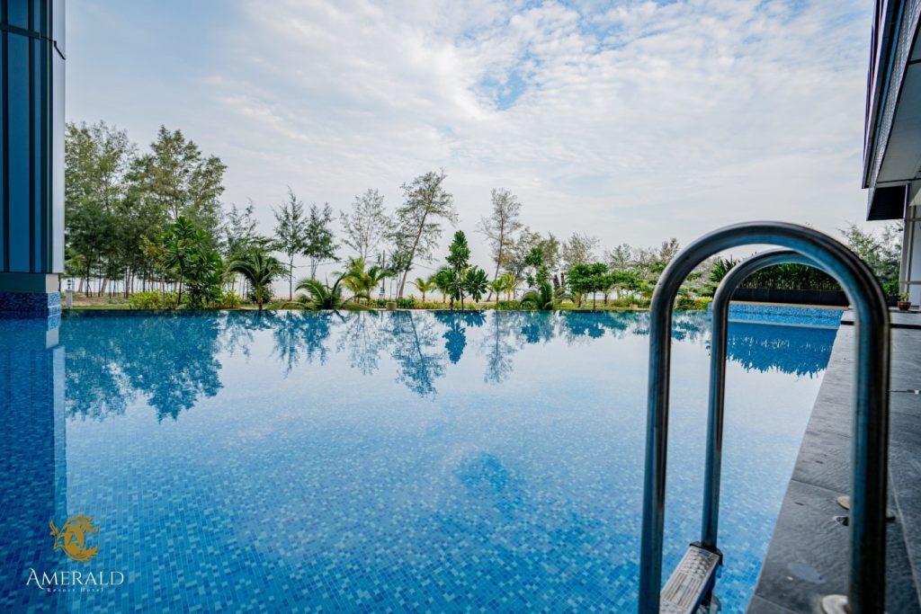 swimming pool desaru amerald resort hotel